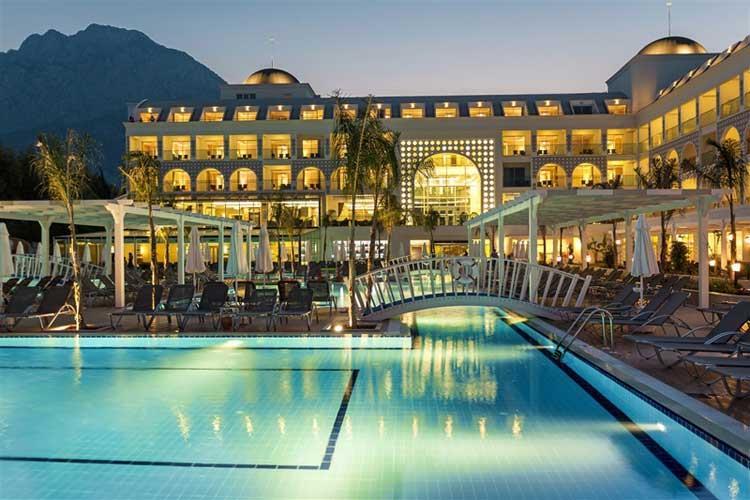 Karmir Resort Hotel
